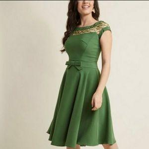 Modcloth Tatyana Alika With Only a Wink ALine Lattice Bow Dress Peridot Green XS